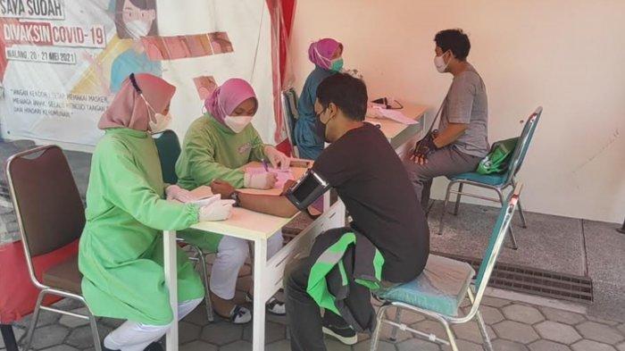 Ratusan Driver Ojol Jalani Vaksinasi Covid-19 di RSIA Husada Bunda Kota Malang