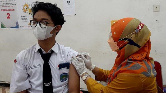Kolaborasi PT Kalbe Farma dan Kompas Gramedia Gelar Vaksinasi Covid-19 Dosis ke-2 di Gresik