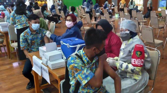 Vaksinasi Pelajar SMA-SMK di Kota Malang Terus Berjalan