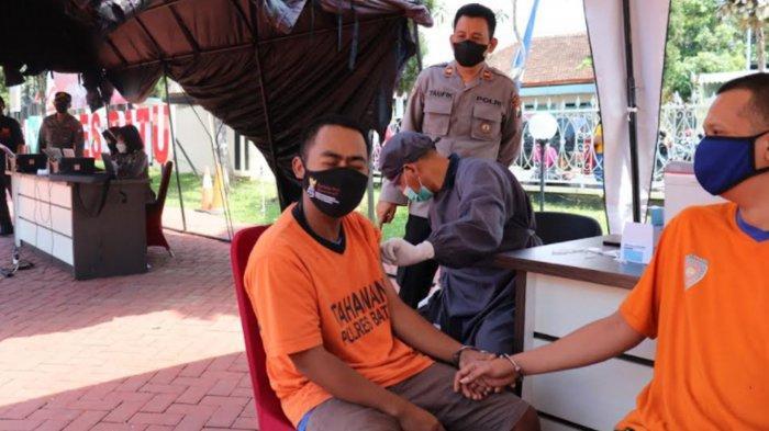 Tahanan Polres Batu Terima Vaksin Covid-19