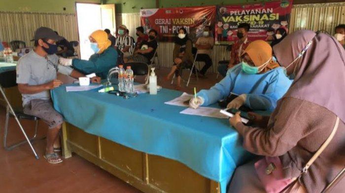 Warga 4 Desa di Tambakboyo Antusias Ikuti Vaksinasi Covid-19