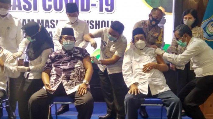 9,786 Ulama dan Iman Masjid Lamongan Disuntik Vaksin Covid-19
