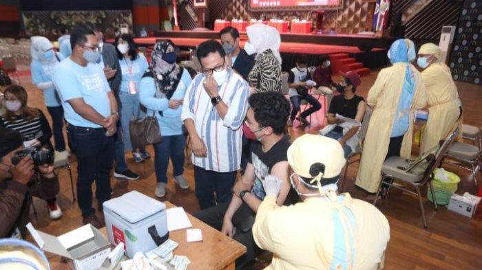 1.500 Pelajar dan 500 Warga Ikut Vaksinasi Dosis Pertama di Universitas Negeri Malang (UM)