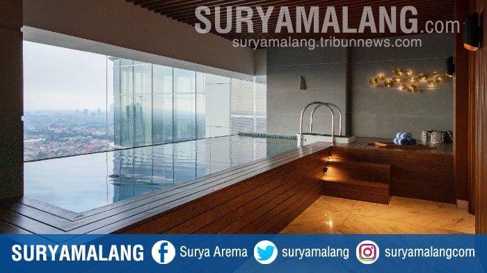 Magnificent Experience in Presidential Suites di Vasa Hotel Surabaya, Ada Kolam Renang di Kamar