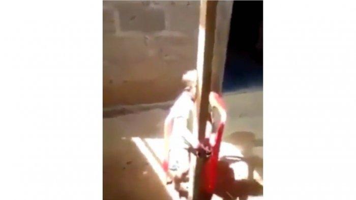 VIDEO : Ibu Kejam Jemur dan Ikat Anaknya Hanya karena Nakal