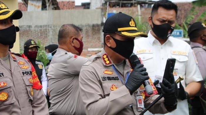 Beri Semangat, Kapolresta Malang Kota Video Call dengan Pasien Corona yang Lakukan Isolasi Mandiri