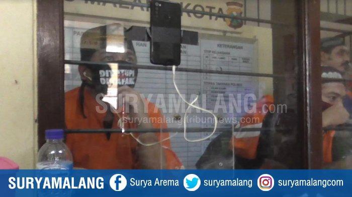 Cukup Tempel HP, Polresta Malang Kota Fasilitasi Video Call Tahanan Lepas Rindu Dengan Keluarga