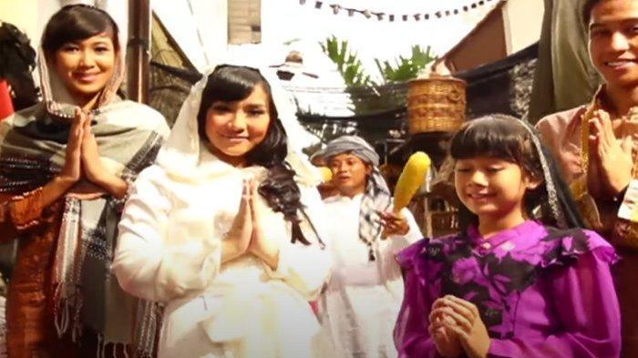 Lirik Lagu Idul Fitri Gita Gutawa & Chord Gitarnya: Minal Aidin Wal Faizin, Maafkan Lahir dan Batin