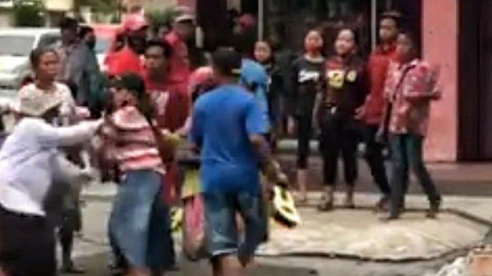 Fakta di Balik Video Viral Gelandangan dan Pengemis (Gepeng) Berkelahi di Jalanan Kota Mojokerto