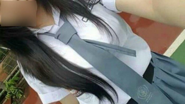 Pengendara Motor Pamer Organ Intim di Depan Siswi SMA yang Sedang Nge-Vlog, Terekam CCTV dan Viral