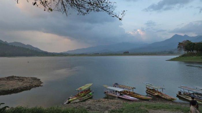 Banyak Ikan Mati di Waduk Selorejo Malang, PJT I Duga Ada Penurunan Kualitas Air
