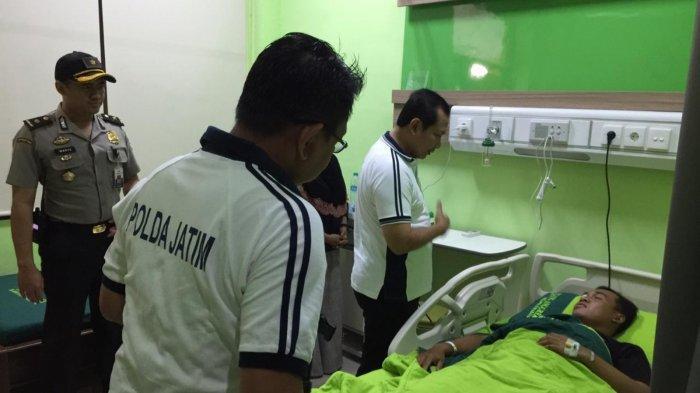 Wakapolda Jatim Jenguk Kondisi Korban Aksi Teror Di Lamongan