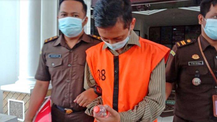 Seusai Diperiksa, Kejari Tahan Wakasarpras SMKN 10 Kota Malang