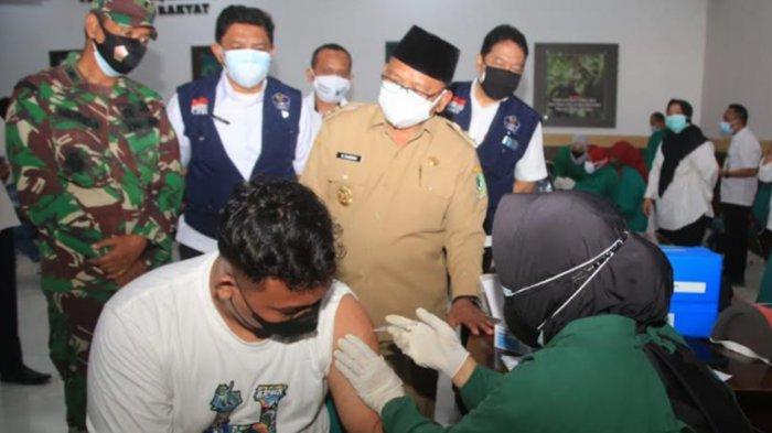 Banyuwangi 'Keroyokan' Kejar Target Vaksinasi Covid-19