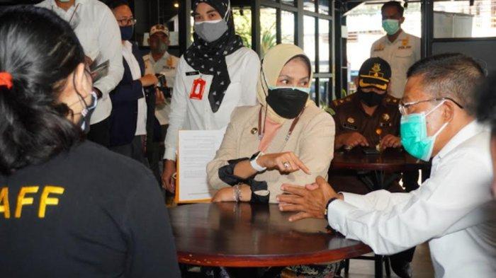 Wali Kota Batu Dewanti Rumpoko Turun Langsung Cek Ketertiban Bayar Pajak di Hotel dan Kafe