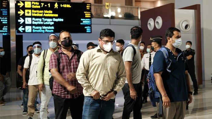 Bandel, 32 Warga India 'Kabur' ke Indonesia saat Negaranya Tsunami Covid-19, Kini Dipaksa Pulang!