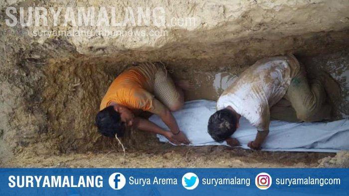 Makam Ambruk, Warga Kaget Lihat Kondisi Jenazah Ulama Sampang yang Meninggal 3 Tahun Lalu