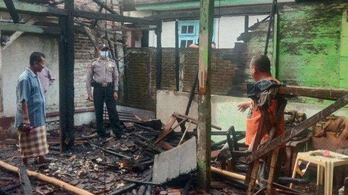 Warkopdi Kedungpring Lamongan Ludes Terbakardi Hari Idul Fitri, Diduga Akibat Arus Pendek Listrik