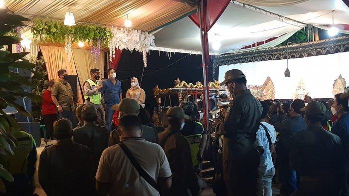 Polisi Bubarkan Hajatan di Rumah Kades Sidokepung Sidoarjo