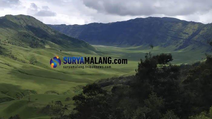 Kawasan Taman Nasional Bromo Tengger Semeru yang menjadi salah satu tujuan perjalanan wisata Damri dari Kota Batu.