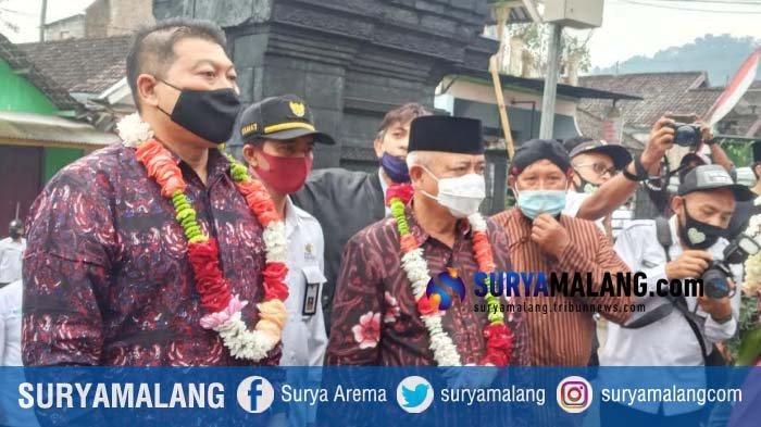 Bupati Malang, Sanusi, meresmikan Candi Ganter di Desa Tulungrejo, Kecamatan Ngantang, Kabupaten Malang menjadi destinasi pariwisata baru.