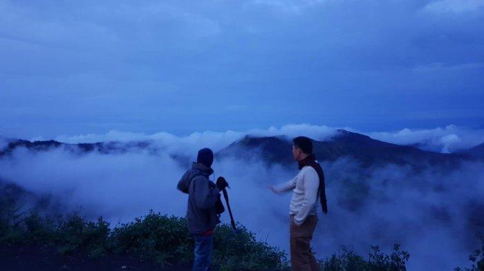 Travelling Ke Negeri Atas Awan Di Antara Tiga Gunung Wilayah Kabupaten Lumajang