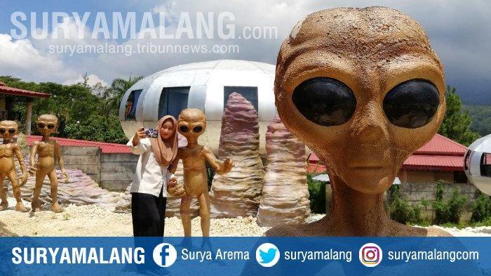 Gaes, Yuk Selfie Bareng Alien di UFO Park Kabupaten Malang! Lokasinya Instagramable Lho