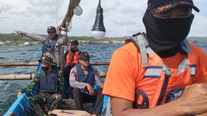 2 Wisatawan Asal Sukoharjo Jateng Diduga Terseret Ombak di Pantai Ngiroboyo Pacitan