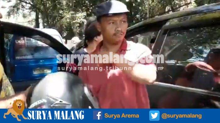 Geram! Sopir Angkot di Kota Malang Hentikan Mobil Transportasi Berbasis Online