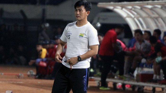 Yaya Sunarya menjadi anggota staf kepelatihan Persib Bandung terlama.