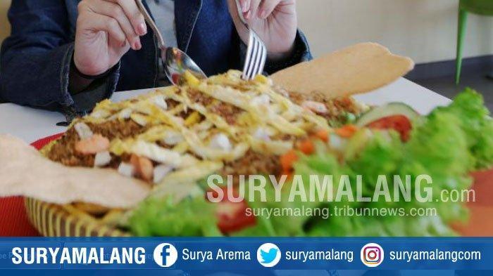 Nasi Goreng Ambyar Versi Jumbo di Zest Hotel Jemursari Surabaya, Seporsi Bisa untuk 5 Orang