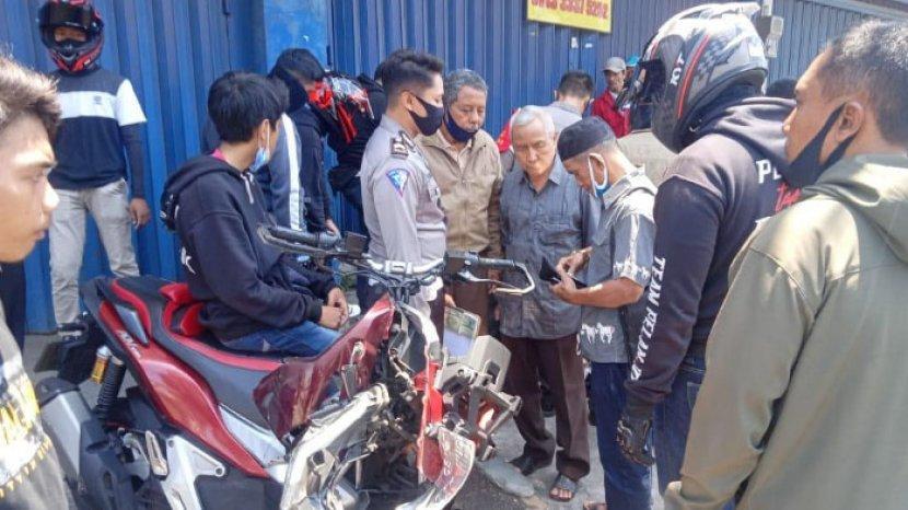 Kendarai Motor Di Kota Malang Remaja 16 Tahun Tabrak Mobil Di Fly Over Martadinata Surya Malang
