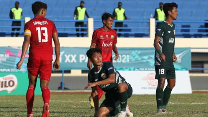 pon-xx-papua-tim-sepakbola-jatim.jpg