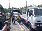 10-kendaraan-terlibat-kecelakaan-beruntun-di-jembatan-kembar-kedungjajang-lumajang.jpg