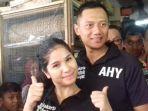 agus-yudhoyono-bersama-istrinya-di-pasar-sindang-koja-jakarta-utara-pada-11-oktober-2016_20170613_190105.jpg