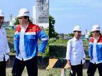ahok-dan-jokowi-meninjau-proyek-kilang-minyak-di-tuban.jpg