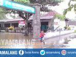 air-banjir-sempa-genangi-sekolah-dan-jalan-di-jember.jpg