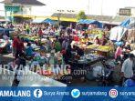 aktivitas-pedagang-di-pasar-kota-batu_20171206_183610.jpg