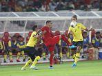 alberto-beto-goncalves-tengah-saat-tampil-pada-laga-timnas-indonesia-vs-malaysia.jpg