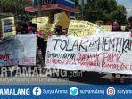 aliansi-mahasiswa-timur-melawan-demonstrasi-penolakan-pembangunan-proyek-jurassic-park-komodo.jpg