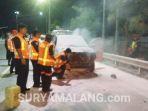 ambulans-terbakar-jombang_20180530_183921.jpg