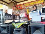 anggota-polres-malang-mengungkap-pencurian-di-sejumlah-sekolah-di-kabupaten-malang.jpg