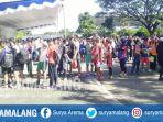 antrean-peserta-ujian-keterampilan-olahraga-sbmptn-di-depan-lapangan-tenis-cakrawala-um_20170517_125750.jpg