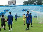 arema-fc-saat-latihan-di-stadion-gajayana-kota-malang-sebelum-ppkm-darurat.jpg