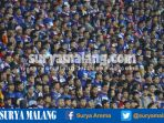 aremania-saksikan-arema-fc-lawan-bhayangkara-fc-di-stadion-kanjuruhan_20170425_100048.jpg