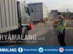 arus-lalu-lintas-di-proyek-underpass-karanglo-singosari-kabupaten-malang.jpg