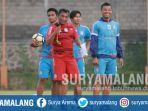 asisten-pelatih-arema-fc-kuncoro_20181108_163130.jpg