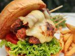 aston-sidoarjo-hotel-menawarkan-sajian-hamburger-bercitarasa-lokal-yakni-satay-burger.jpg