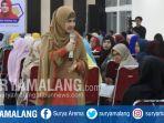astri-ivo-mengisi-seminar-islamic-parenting-di-aula-ftp-ub-minggu-3072017_20170730_132426.jpg