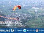 atlet-paralayang-dalam-international-tourism-paragliding-festival-2017-di-gunung-banyak-kota-batu_20170730_194830.jpg